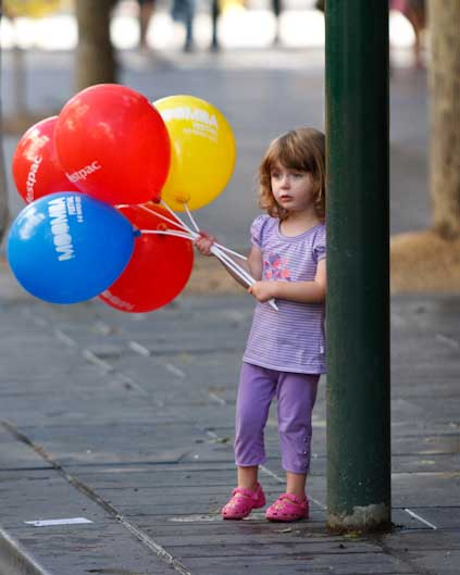Balloon Handouts for Street Parties | Melbourne | Magic In The Middle