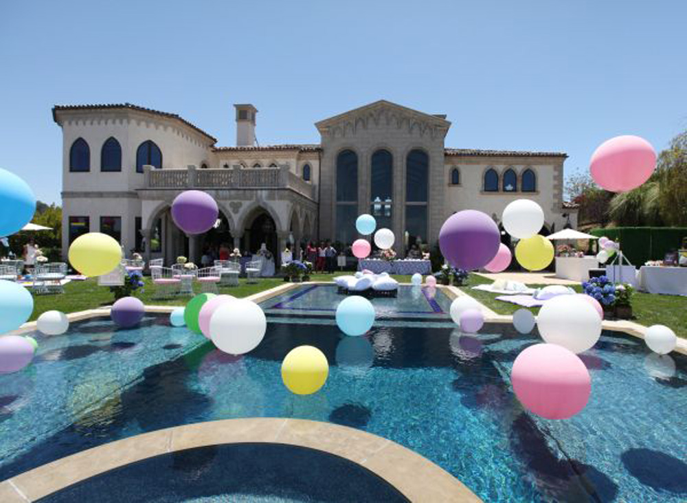 Pool Decor Balloons Melbourne Magic In The Middle