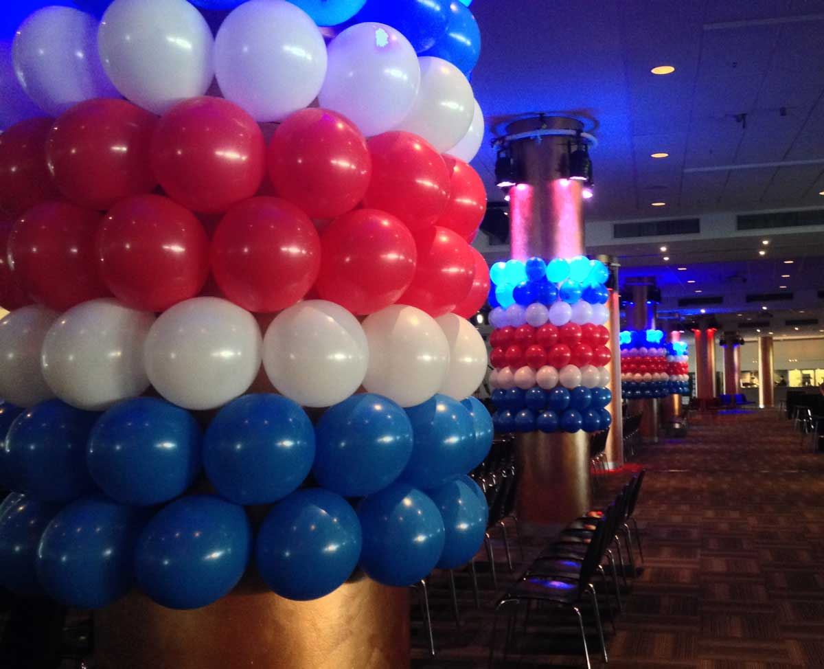 Football Club Balloons | Western Bulldogs Premiers 2016 | Magic In The Middle