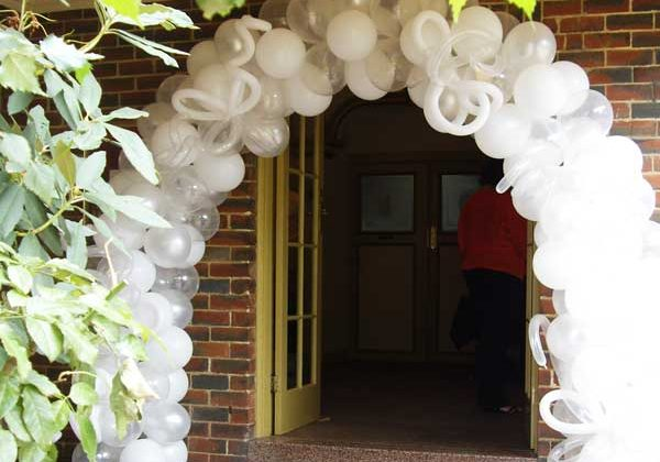 Balloons For Weddings & Engagements | Melbourne | Magic In The Middle